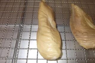 ペットフード 鶏むね肉塊の低温乾燥テスト